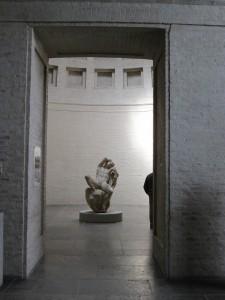 La Gliptoteca de Munich nos ayuda a percibir el sentido de lo clásico, aún cuando algunas de sus esculturas más señeras, como la del Fauno Barberini, no son estrictamente clásicas, sino helenísticas.