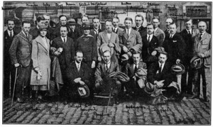 Young Belgian scientists – men and women – ready for their journey to the United States, 1920.