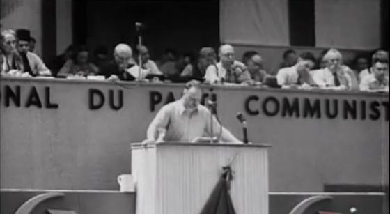 Discours de Thorez au congrès PCF juin 1947 (derrière, Marcel Cachin et André Marty, tribune)