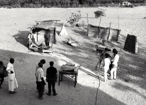 Studio extérieur de Télé Niger (vers 1968-1970) - photographie : Bernard Baissat