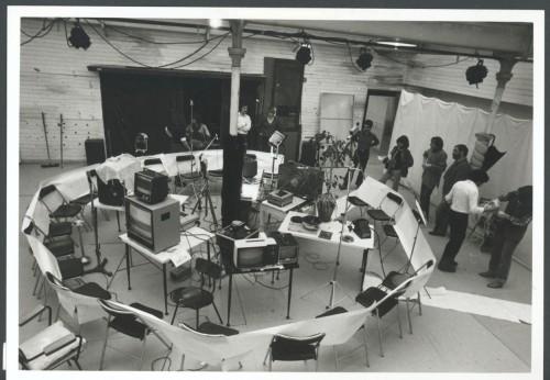 Performance à Vidéo ABI en 1979 - Photographie : Patrick Bousquet - fonds Michel Jaffrennou / BnF