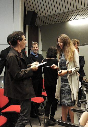 Les prix ont été remis en fin de cérémonie par Nathaniel Herzberg et le jury a pu réitéré les félicitations adressées à chaque groupe pour le travail accompli.