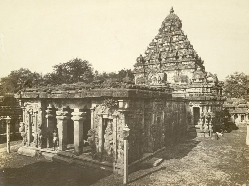 Kailasanatha de Kanchipuram, vue du nord-ouest, en 1900 © British Library Board Photo 1008/5(396)