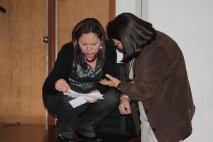 Maritza Ayuni et Myriam Echeverri étudient les questions du public (22-25 septembre 2009, Bogotá, Colombie)