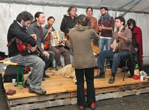 De gauche à droite: Pascal Jaussaud, Basile Brémaud, Gwennaël Baronnet, Jean Noël Pelen, Annie Courtan, Clément Gauthier, Nicolas Roche, Mana Seranno