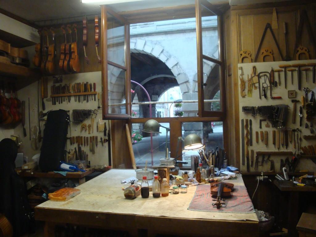 L'atelier de Roland Terrier (Mirecourt, 2014), cliché HCH