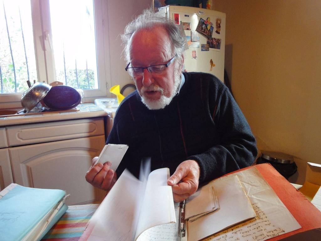 L'historien JP Rothiot et ses archives, 2015, Mirecourt (cliché HCH)