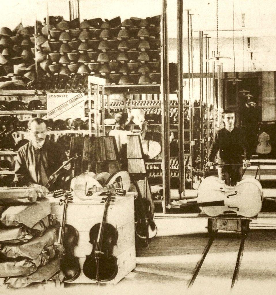 Grand hall de la Maison Laberte-Humbert Frères (carte postale, extrait)