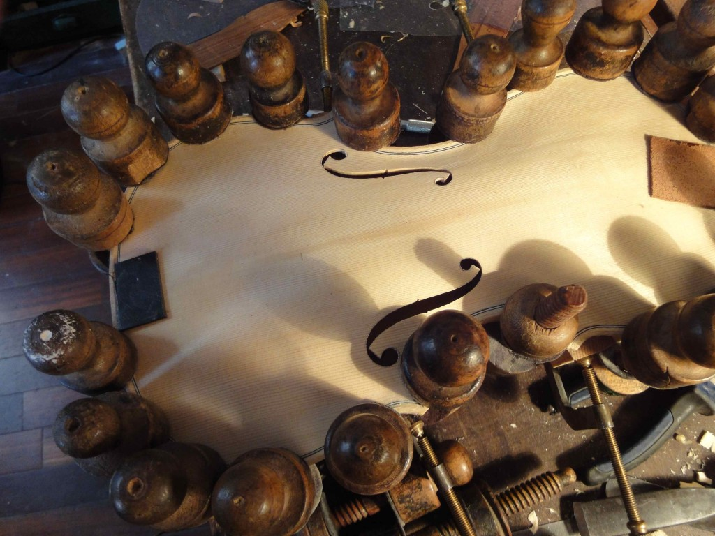 Vis à tabler anciennes provenant de l'atelier de Pierre Claudot (atelier d'A. Sakellarides)