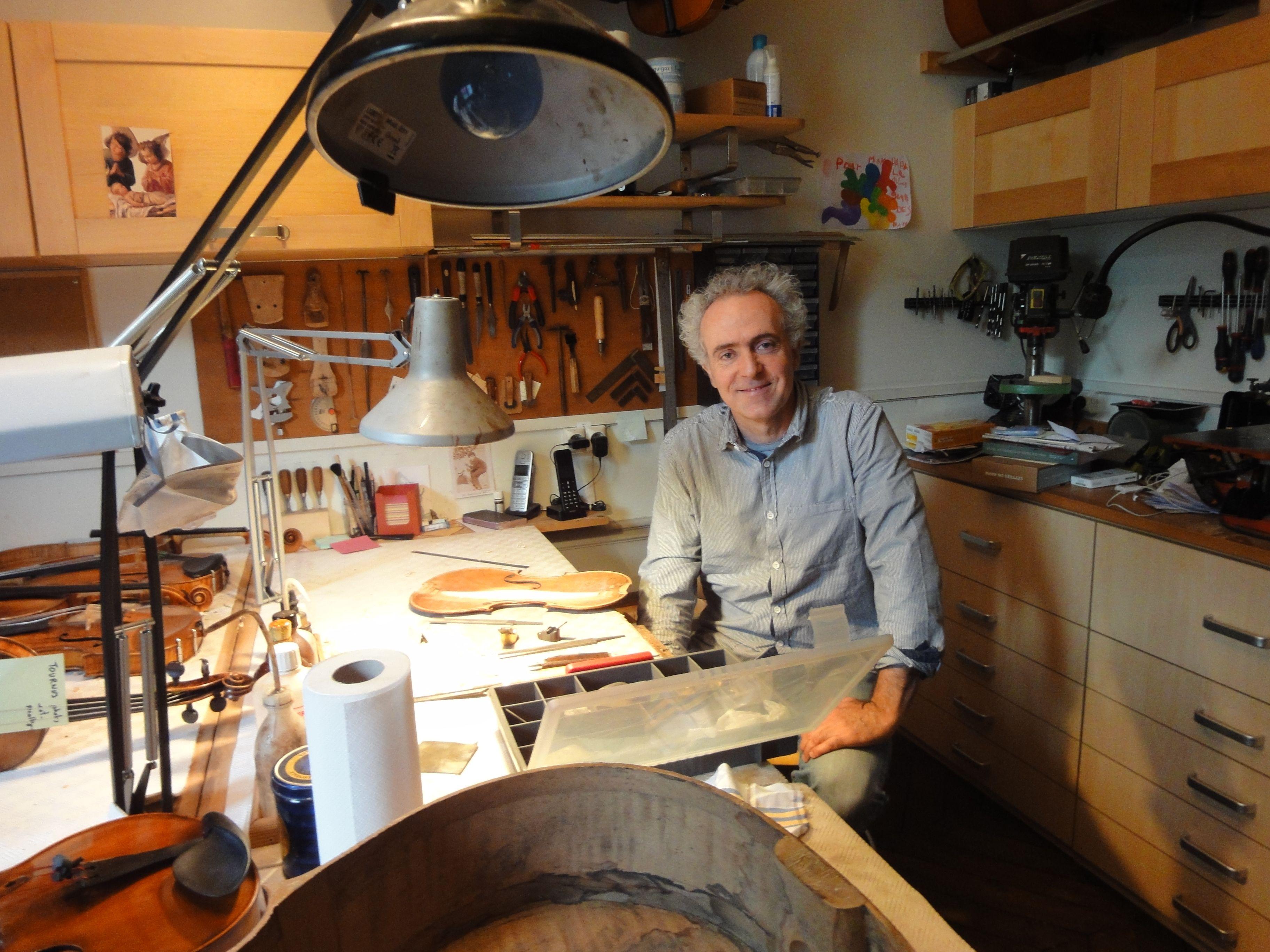 philippe dupuy luthier les carnets de la phonoth que. Black Bedroom Furniture Sets. Home Design Ideas