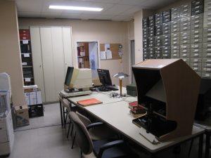 Les lecteurs de microfilms dans la filmothèque