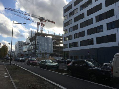 """Le bâtiment """"Recherche nord"""" (à droite) et le futur GED (à gauche)"""
