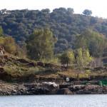 Fig. 1. Vue du bain depuis la rive droite du barrage de Torrejón.