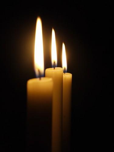 candle-179298_640
