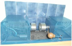 """Machine à nettoyer les boules ou """"dérouille-boules"""", photographie de Chloé Rosati-Marzetti"""
