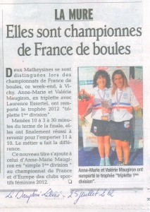 Article du Dauphiné Libéré, édition du 25/07/2012, photographie de Benoist Guillaume