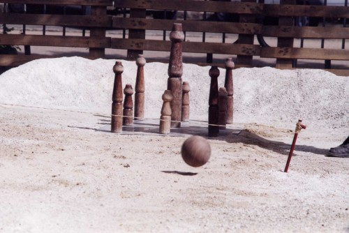 Quilles et boule, photographie fournie par la Confédération FALSAB