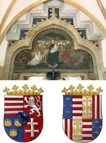 Southern portal of the parish church of Brasov representing in the corners the coats of arms of King Matthias Corvinus and his wife, Beatrice of Aragon (around 1480). Below, the graphic reconstruction of the coats of arms