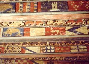 Brioude (Auvergne), Doyenné, plafond peint armorié.