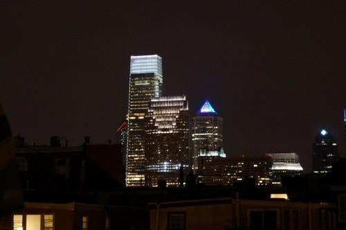 Dernier cliché by night du centre financier de Philadelphia avant mon départ pour la Côte Ouest