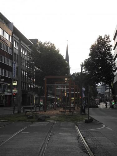 Je suis bien en Allemagne pour un colloque, mais avec tout cet english al the day, un peu de balançoire en ville ne serait pas de refus... Bienvenu à Dortmunt(Allemagne, Ruhr)