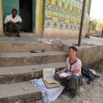 Anaïs Wion sur le terrain dans la région d'Aksum (février 2015)/Anaïs Wion on the field in Aksum region (feb. 2015)