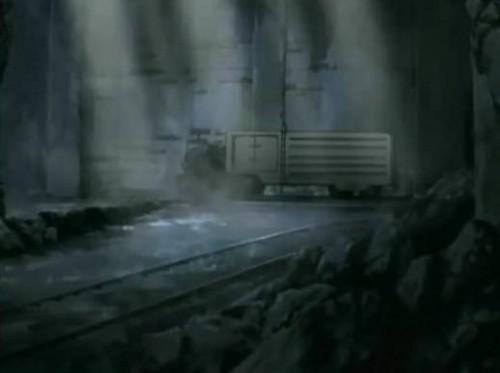 """Les souterrains du """"ghetto"""". L'ensemble des différents bâtiments dans """"le ghetto"""" sont reliés principalement par des espaces """"enfouis"""", dans lesquels circulent autant les véhicules, les métros que les piétons. Les mobilités des """"Elevens""""/Japonais sont ainsi rendues """"invisibles"""". Source : Image extraite du 1er épisode de Code Geass."""