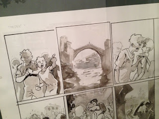 Le pont de Mostar, lieu d'une dispute territoriale entre adolescentsSource : Frano Petruša, 2012, Meilleurs voeux de Mostar, Dargaud, esquisse de la planche 16.Esquisse présentée à Stripovi, festival de bande dessinée croate organisé à Paris en septembre 2012 (source : site Plan B(D)).