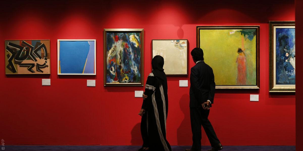 Acheteurs aux dernières enchères de Christie's à Dubaï (AFP)