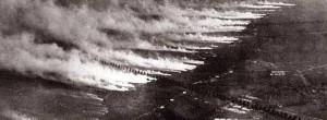 Fûts de gaz ouverts sur la ligne de front lors d'une attaque chimique.