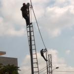Réparation sur un cable électrique à Amman (E.Verdeil, 2008)