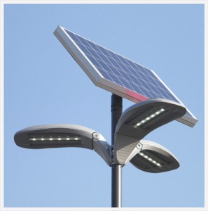 Le type de luminaire alimenté par l'énergie solaire qu'on voit souvent sur les routes tunisiennes, commercialisé par la société Soteep.