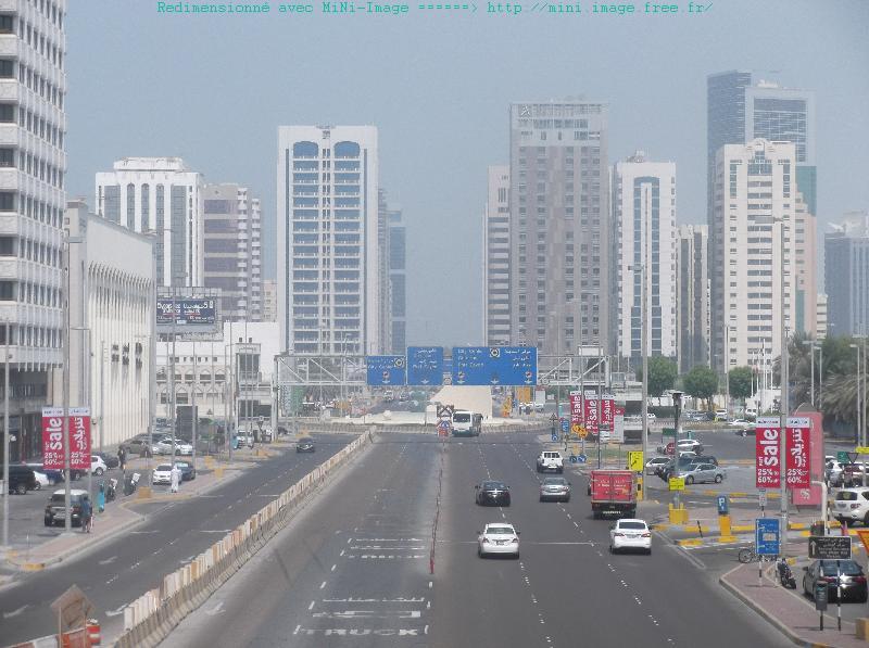 Un urbanisme vertical et fondé sur l'automobile