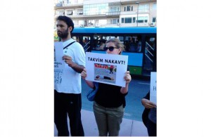 http://www.gazeteciler.com/gundem/kadinlardan-takvime-nakavt-protestosu-68015h.html
