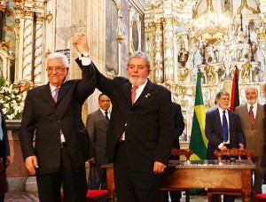 Lula da Silva and Mahmoud Abbas: Brazil and Palestine discuss in Salvador peace agreement for the Middle East, 2009. Picture of Secom Bahia – Flickr (CC BY 2.0).