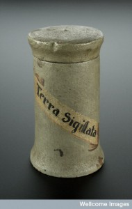 Seventeenth-century Spanish jar used to store Terra Sigillata. Image courtesy of Wellcome Images.