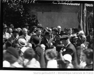 Manifestation du Front populaire au mur des Fédérés (source)