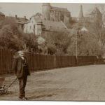 Louis Bachmann mit der Geldkutsche von Brückner, Foto um 1910 (Mus. Burg Mylau).