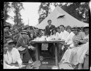 Alfresco tea party at a World War I New Zealand camp, England. Royal New Zealand Returned and Services' Association :New Zealand official negatives, World War 1914-1918. Ref: 1/2-013829-G. Alexander Turnbull Library, Wellington, New Zealand. http://natlib.govt.nz/records/22808287