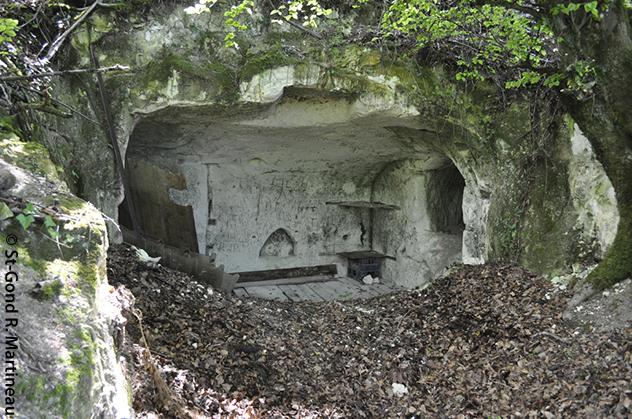 Hypogée de Vert-Ia-Gravelle« La Crayère» (Marne) transformé en abris au XIXe siècle (photo R. Martineau)