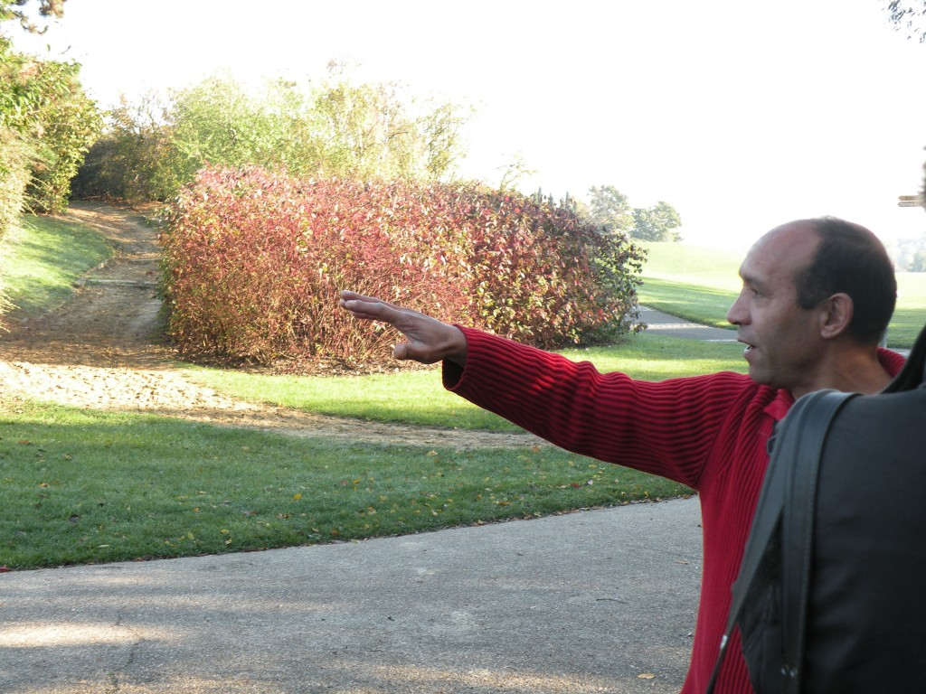 visite guidée du parc de la Courneuve par Abdel Saadouni, ancien habitant de la Campa, le 18 octobre 2008