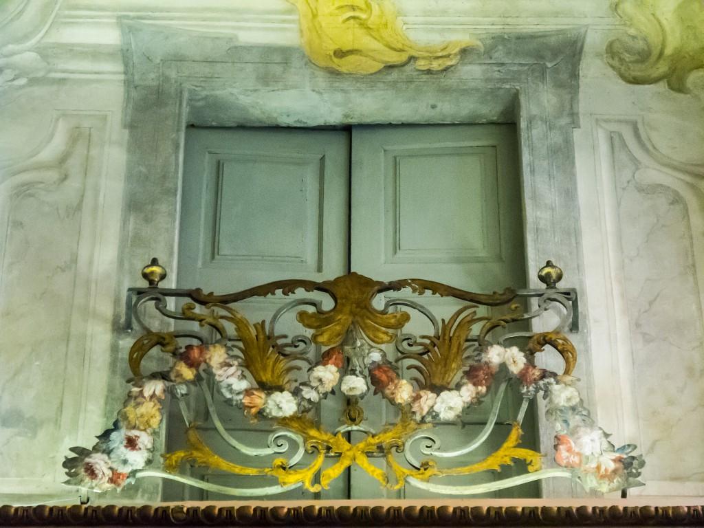 Palazzo Barolo (17e s.), Via delle Orfane, 7, Turin (Italie), décoration murale en trompe-l'oeil. Photo de R. H. Kamen sous Licence CC.BY 2.0 https://www.flickr.com/photos/kamen/