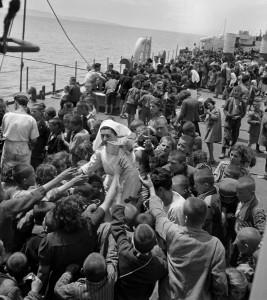 Grèce, 1948. Evacuation des enfants des zones de guerre civile. © David Seymour, Magnum; Carole Naggar, courtesy Umbrage Editions