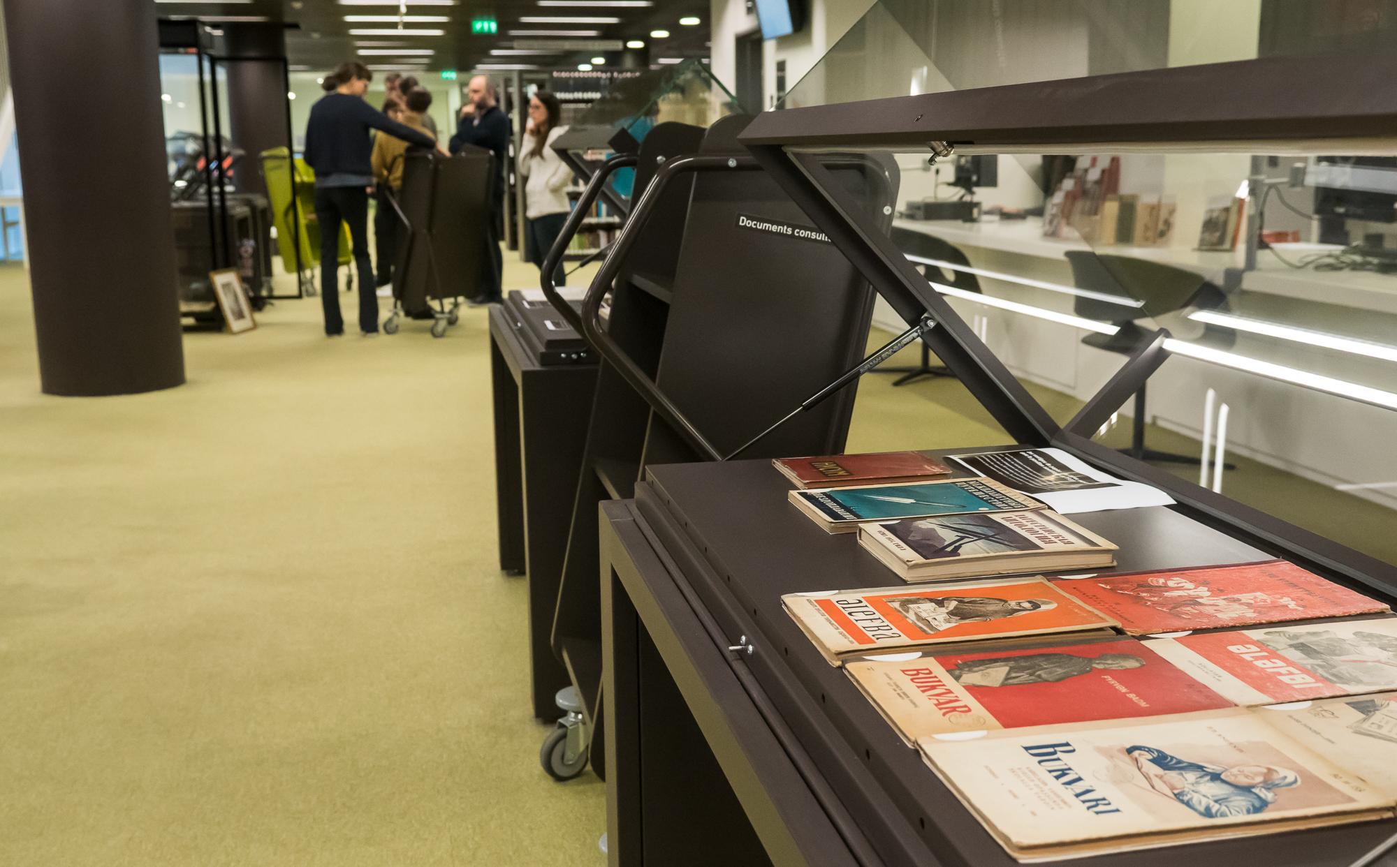 Vue de l'exposition en cours de montage