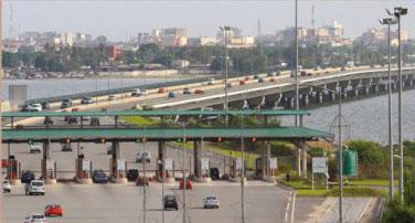 « On ne mange pas les ponts et le goudron » : les sentiers sinueux d'une sortie de crise en Côte d'Ivoire