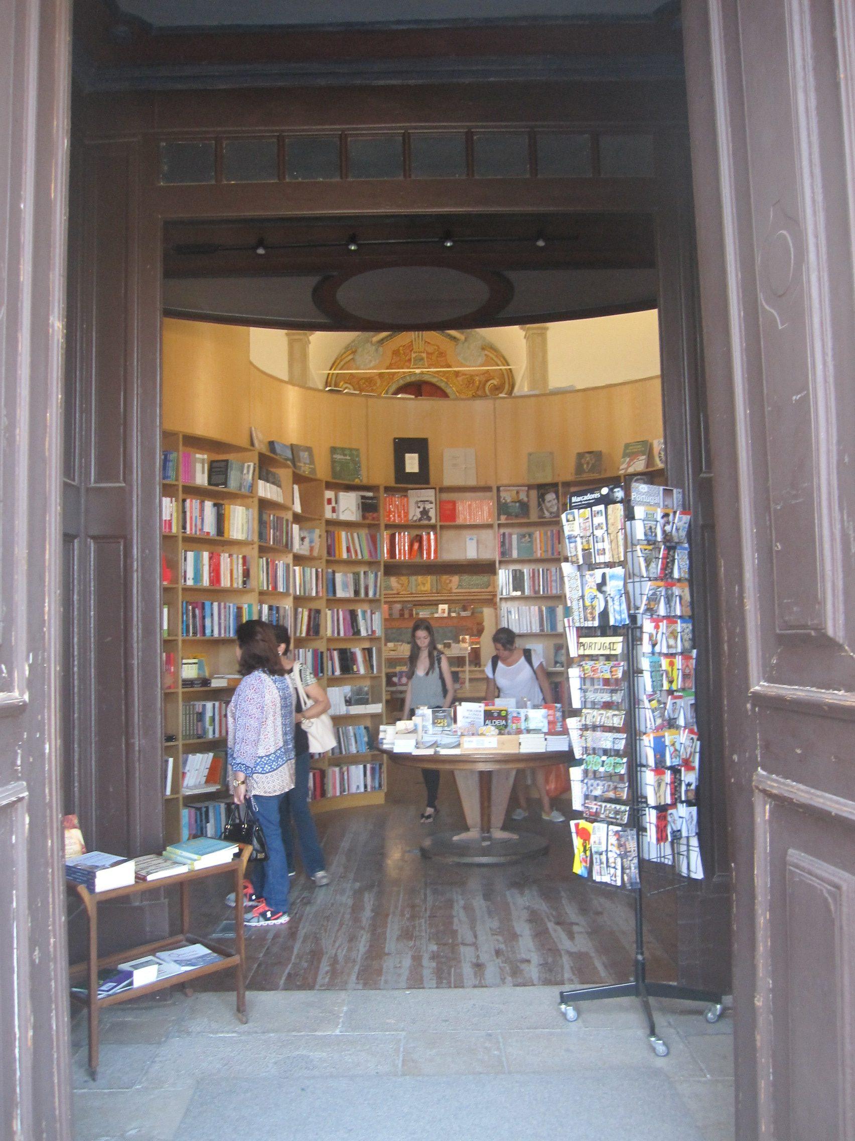 Obidos-librairie-eglise2