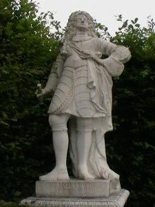 Kurprinz Georg Ludwig, der 1714 als Georg I. den englischen Thron bestieg - Statue in den Herrenhauser Gärten, Hannover