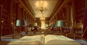 À livre ouvert, Bibliothèque de l'Arsenal (Source web : When in Paris, official blog of Welcome2France, a luxury apartment rentals company (...))