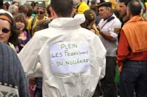 Inventivité de la critique. Manifestation à Colmar, octobre 2009 (crédits : Nagadoudi, via Flickr)