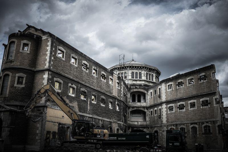 Démolition de la prison saint Paul, Lyon (photo : Jean-Philippe Michaud, via http://bonjour-lyon.fr et Flickr).